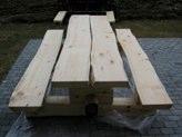 Utemøbler av tømmer
